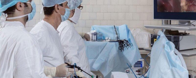 Instrumental quirúrgico para laparoscopia en Salvador Navarro